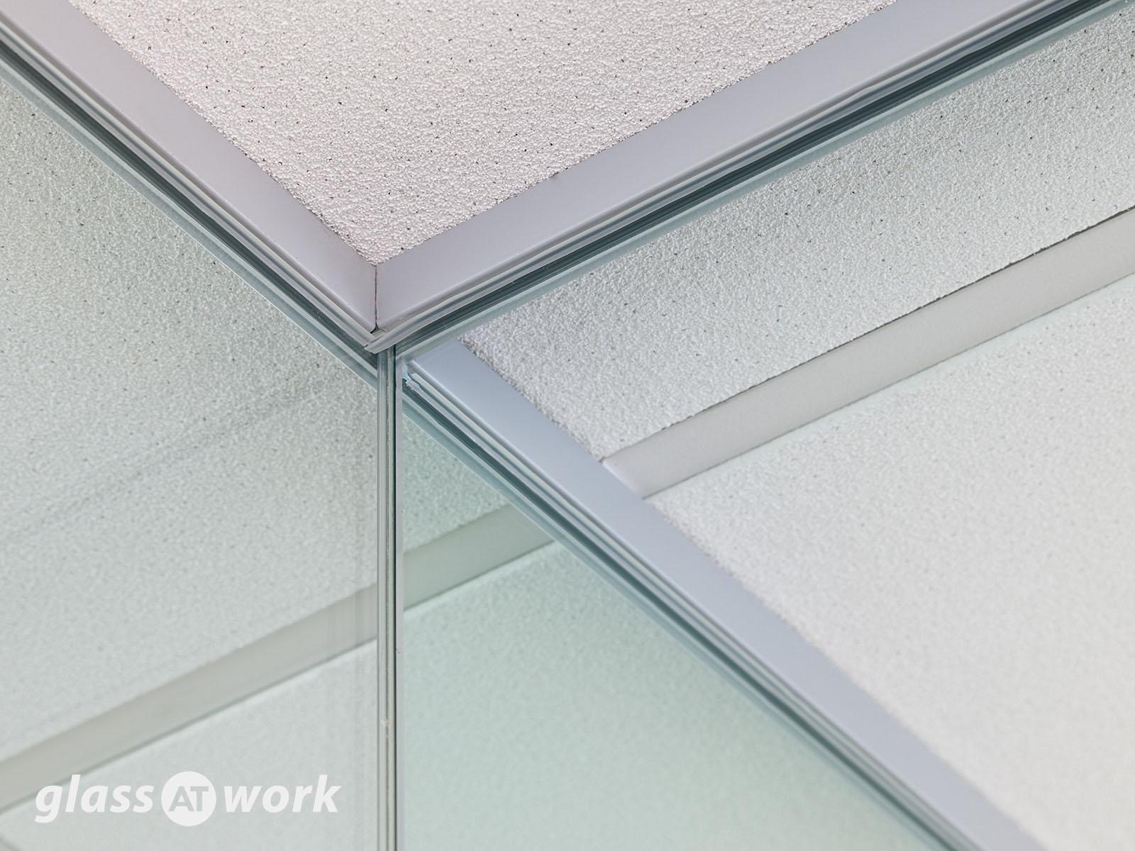 Frameless glass wall details - Single Glazed Frameless Glass Office Partitioning