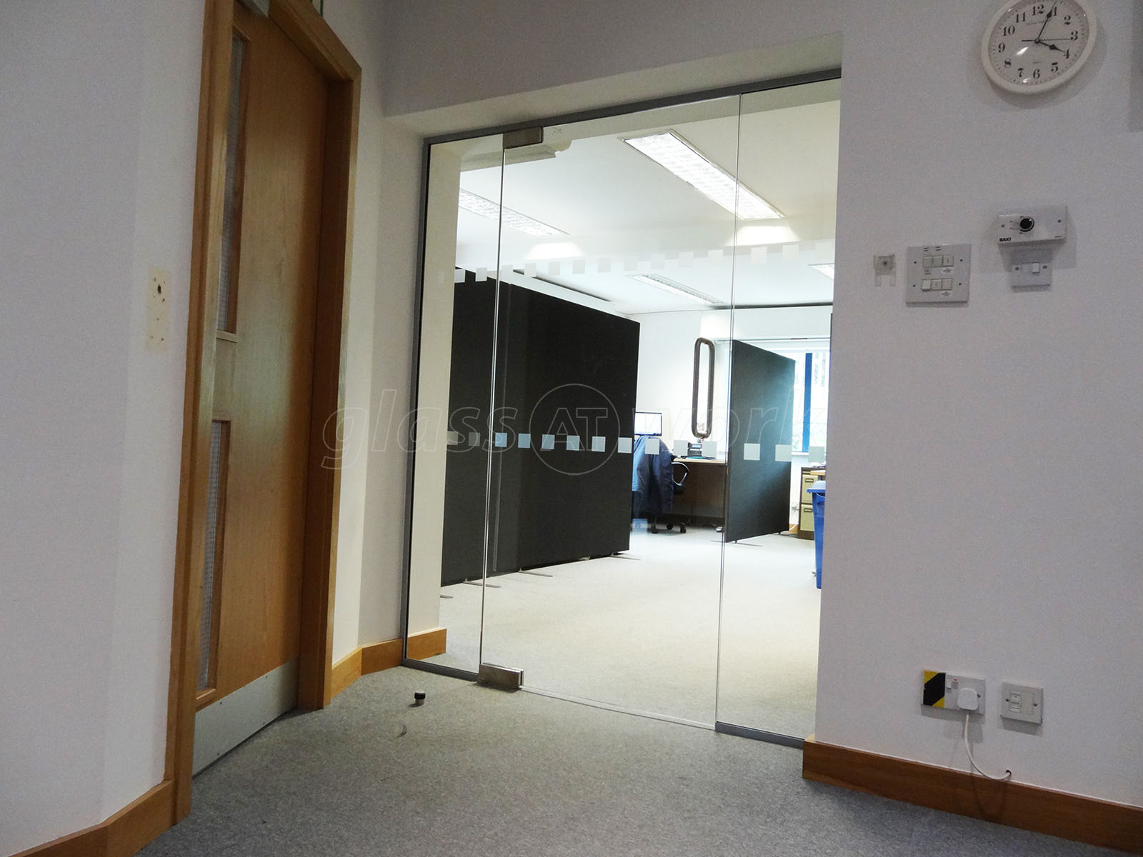 Glass partitioning at ti security leeds west yorkshire glass ti security leeds west yorkshire glass partition with glass door eventelaan Gallery