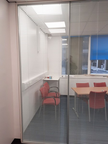 Royal Free London NHS Foundation Trust (Hampstead, London): Glass Meeting Room With Integral Blinds
