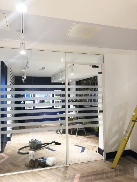 Navigation Property Marketing Suite Services (Bromley By Bow, London): 30 Minutes [30/00] Fire Rated Glazed Partition Wall For Office