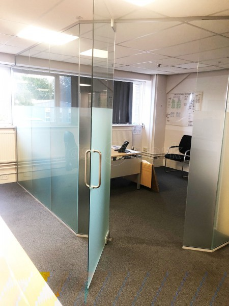 Nick Johnson Building Contractors Limited (Poynton, Cheshire): Frameless Glazed Wall Corner Room