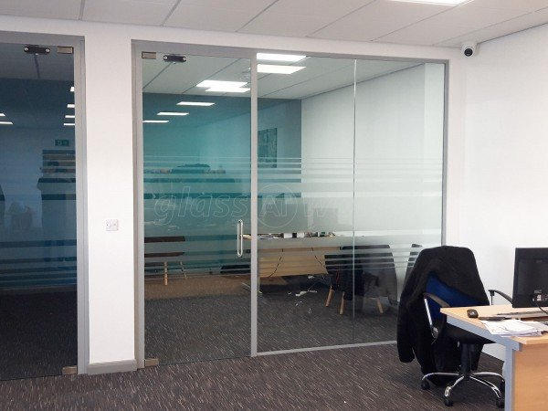 Big Style Fashions (Ellesmere Port, Cheshire): Glazed Frameless Glass Office Cubicles