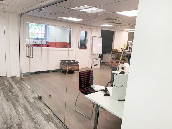 CN Projects (Dunstable, Bedfordshire): Toughened Glass Office Screen With Frameless Glazed Double Doors