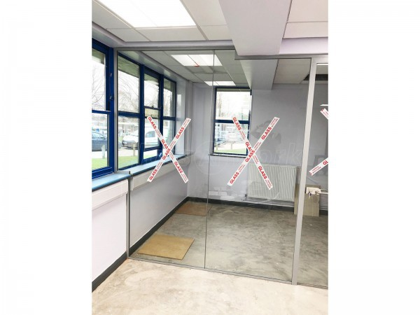 Clovemead Ltd (Chester, Chesh​ire): Hospital Glass Office Walls