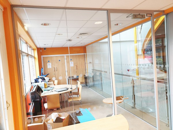 The Pump [East Birmingham] (Birmingham, West Midlands): Frameless Laminated Acoustic Glass Corner Room