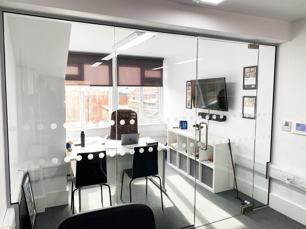 TruTravels (Kingston Upon Thames, Surrey): Frameless Toughened Glass Partition Wall