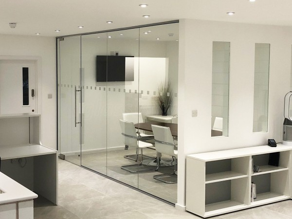 WTTA Group (Epping, Essex): Straight Glass Office Wall With Frameless Door