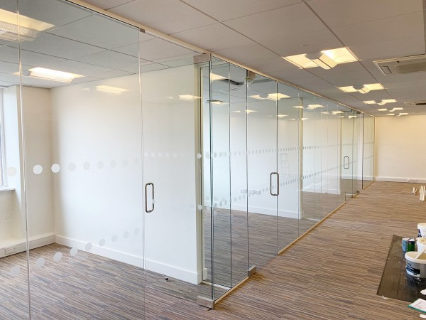 Acorn Commercial Interiors (Southfields, Leicester): Multiple Office Fronts Using Frameless Toughened Glass Partitions