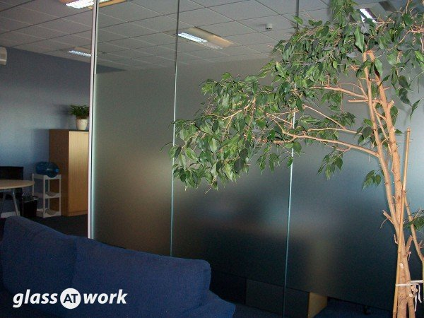 Avery UK (Raunds, Northamptonshire): Open Ended Glass Partition