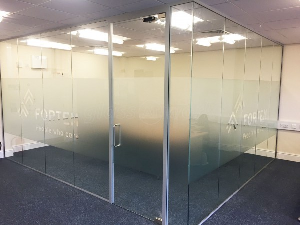 Fortem Solutions (Chesterfield, Derbyshire): Toughened Glass Corner Room Partitioning