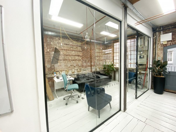 Coherence Digital (Brighton, East Sussex): Laminated Acoustic Glass Office With Black Framework