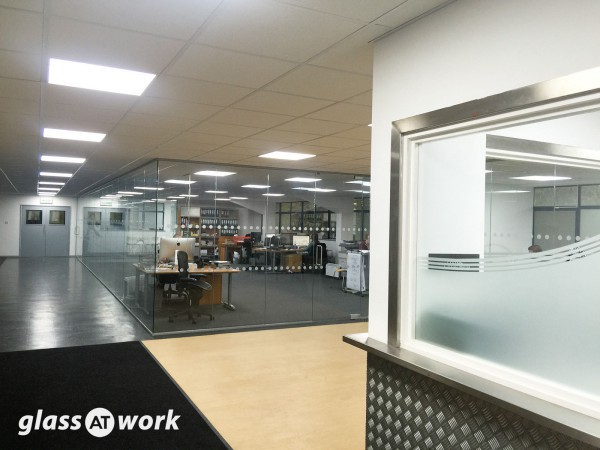 Dlinexsign Ltd (Northants): Glass Office Partitioning