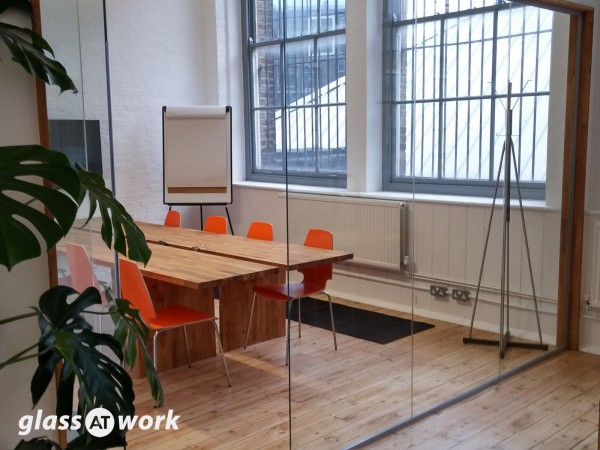 Empello (London): Glass Office Partitions
