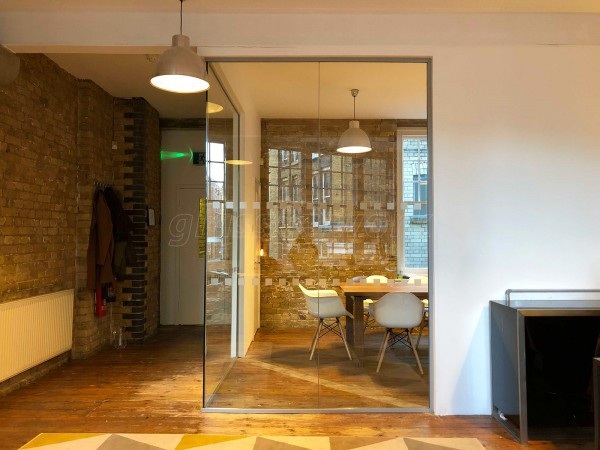 SA Systems (Shoreditch, London): Corner Office With Glass Walls