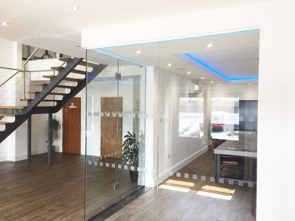 Westbase Technology Ltd (Caldicot, Monmouthshire): Frameless Glass Corner Room with glass-to-glass door hinges