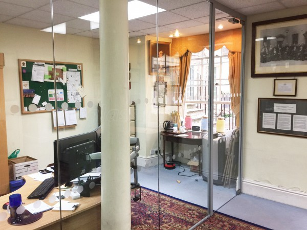Worshipful Society of Apothecaries (City of London, London): Acoustic Glass Partition Wall