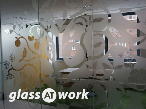 Gloo Communications (Reading, Berkshire): Glass Corner Office