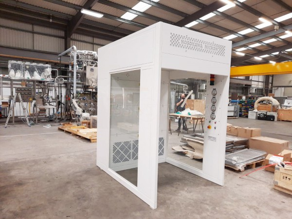 Hosokawa Micron (Runcorn, Cheshire): Laminated Acoustic Glass For a Booth With Soundproofing