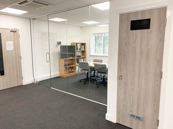 Incat Crowther (Romsey, Hampshire): Toughened Glass Screen Room Divider For Office