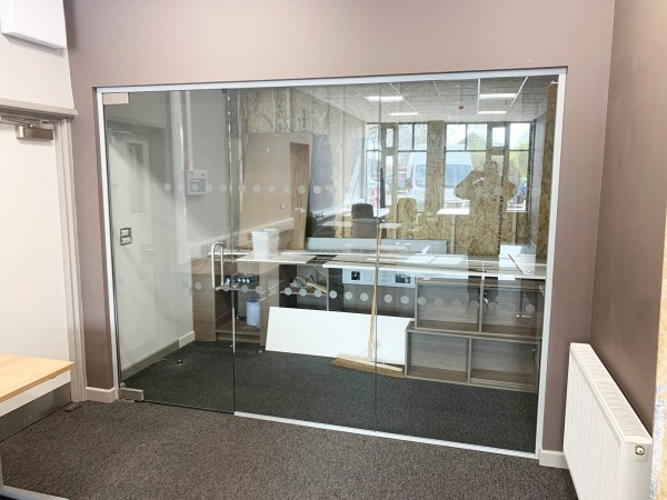 Kemp Developments Ltd (Beverley, East Yorkshire): Glass Frameless Door Partition Wall