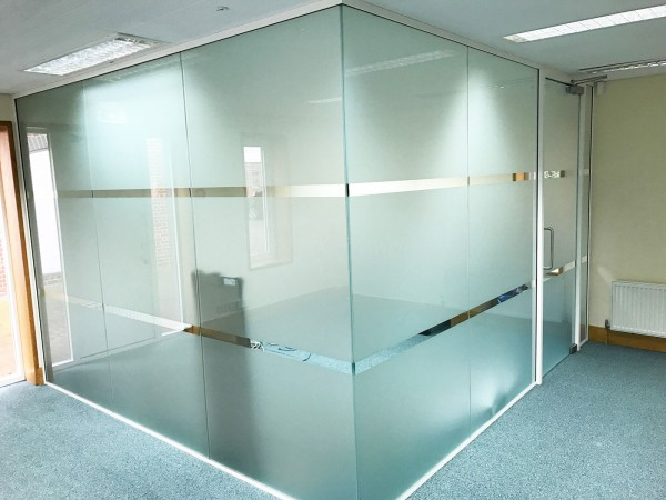 Alexander Associates (Westerham, Kent): Acoustic Glass Partitions