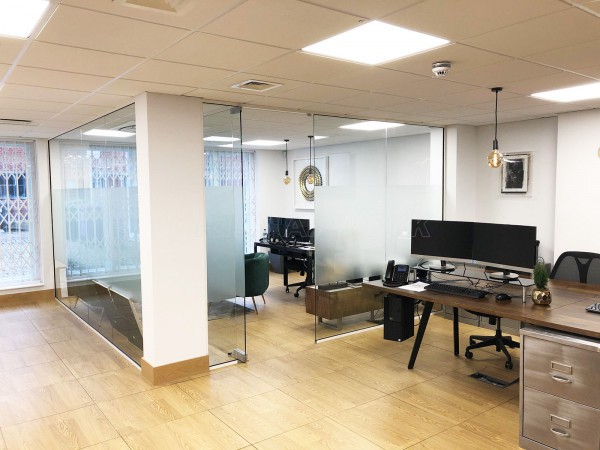 The Harouni Group (West Hampstead, London): Single Glazed Frameless Glass Corner Room Fully Installed