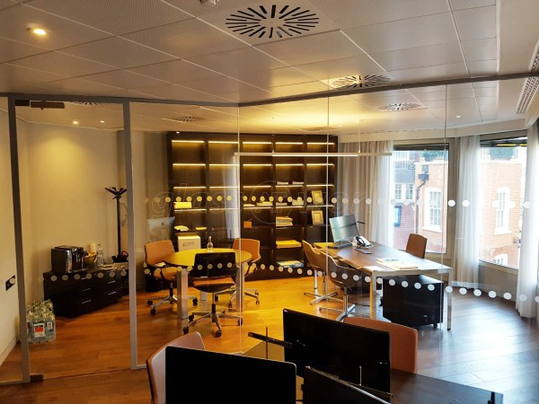 12 Hay Hill Ltd (Mayfair, London): Glazed Corner Room Office Workplace