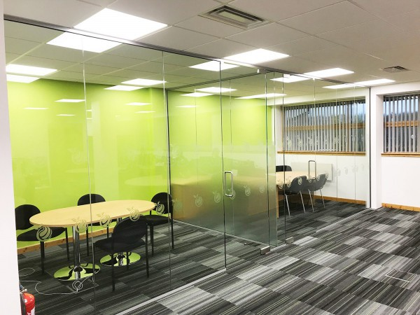 Citrus Mortgages (Milton Keynes, Buckinghamshire): T-Shape Glass Office Walls