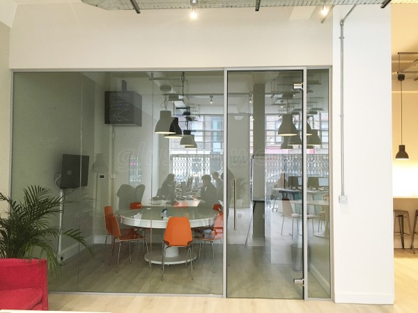 Open Room Events (London, W3): Laminated Acoustic Partitioning
