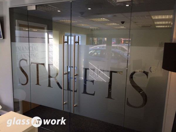Streets Financial Consulting PLC (Lincoln): Glass Double Doors