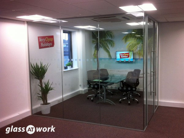 Very Cheap Holidays (Newcastle upon Tyne): Glass Corner Meeting Room